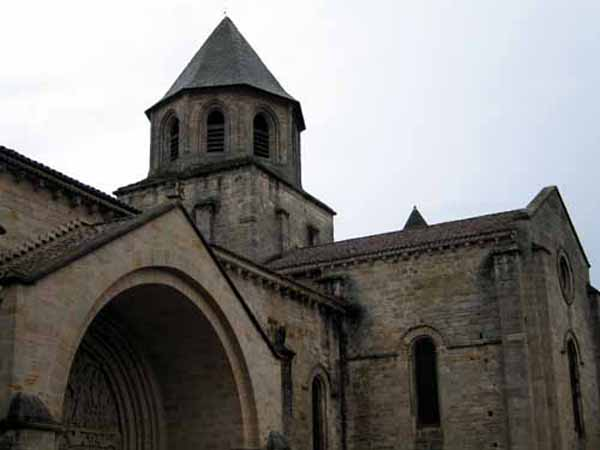Walking in France: Abbey church, Beaulieu
