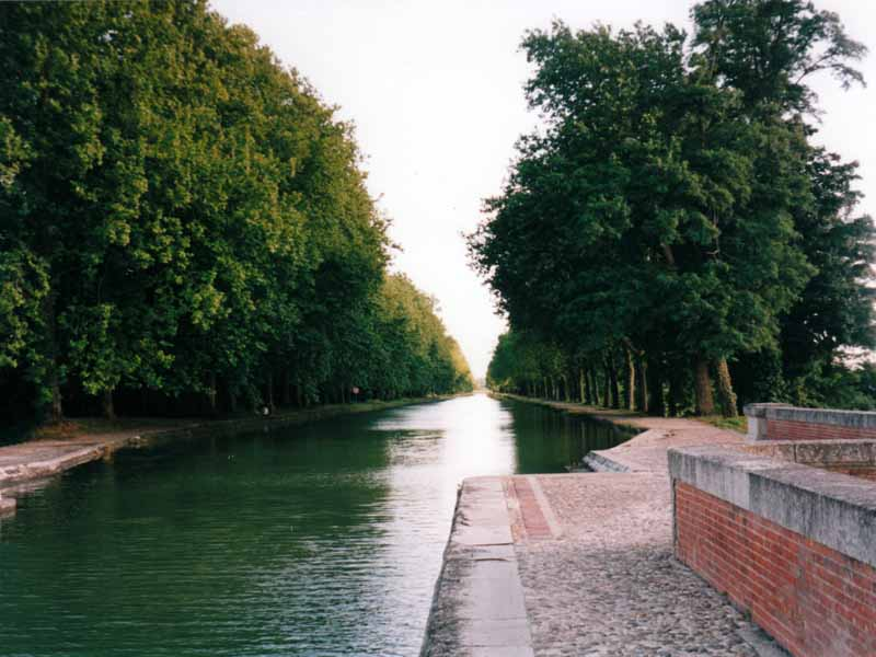 Walking in France: Canal over the Tarn, Moissac