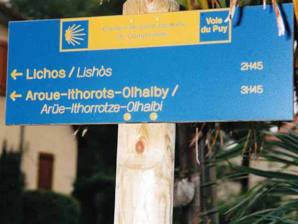 Walking in France: Pilgrim sign in Basque land