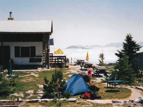 Walking in France: The calm before the storm. Camping at the refuge
