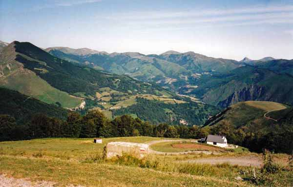 Walking in France: Over the top and into the valley of Saint-Engrace