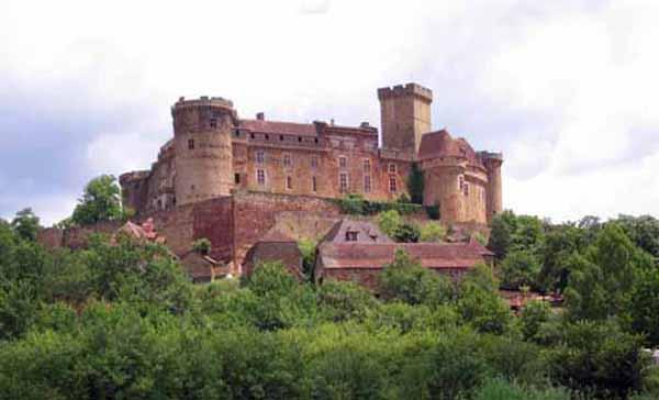Walking in France: Château de Castelnau