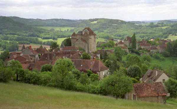 Walking in France: Approaching Curemonte