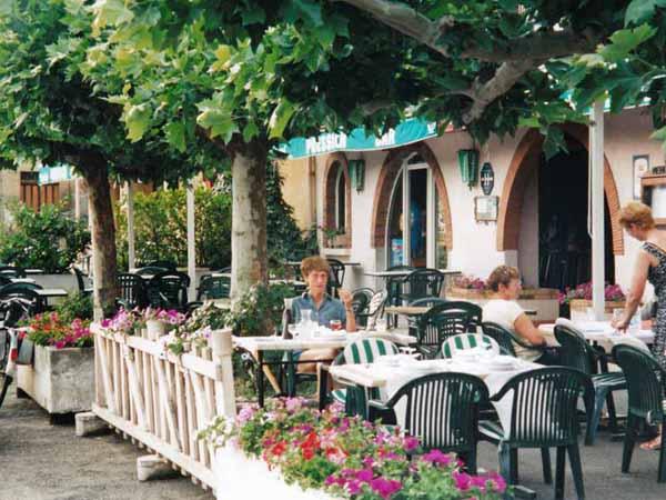 Walking in France: Dinner in Nogaro