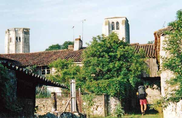 Walking in France: Short-cut back to town, la Romieu
