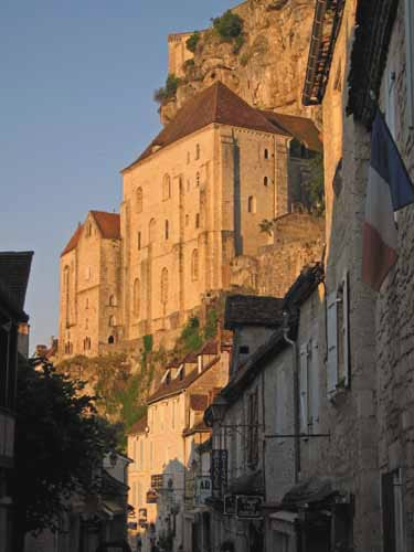 Walking in France: Rocamadour in the morning light