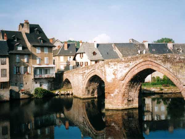 Walking in France: Pilgrim bridge over the Lot, Espalion