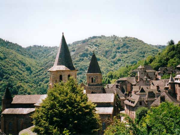 Walking in France: Conques