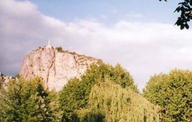 Walking in France: Statue of Notre Dame de Castellane