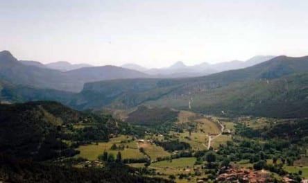 Walking in France: Looking back to la Palud