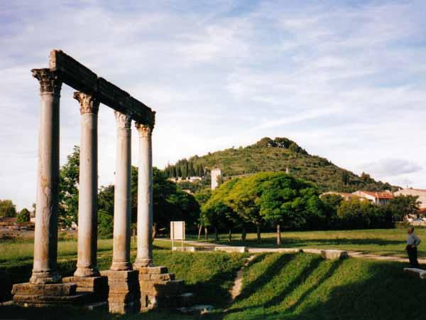 Walking in France: Roman columns, Riez