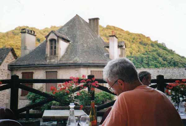 Walking in France: Dinner on the terrace, Conques