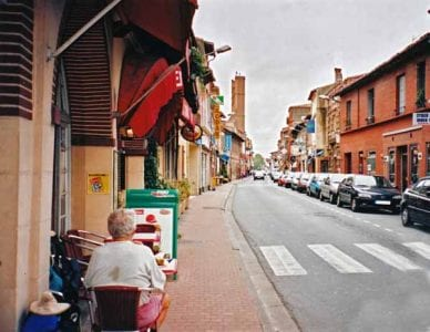 Walking in France: Coffee in Villefranche-de-Lauragais