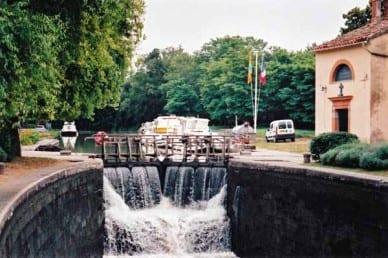 Walking in France: A lock in operation, Canal du Midi