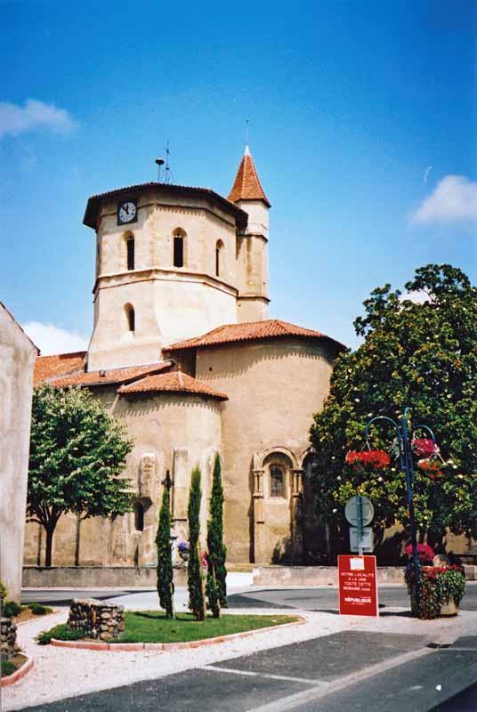Walking in France: Church in Maubourguet