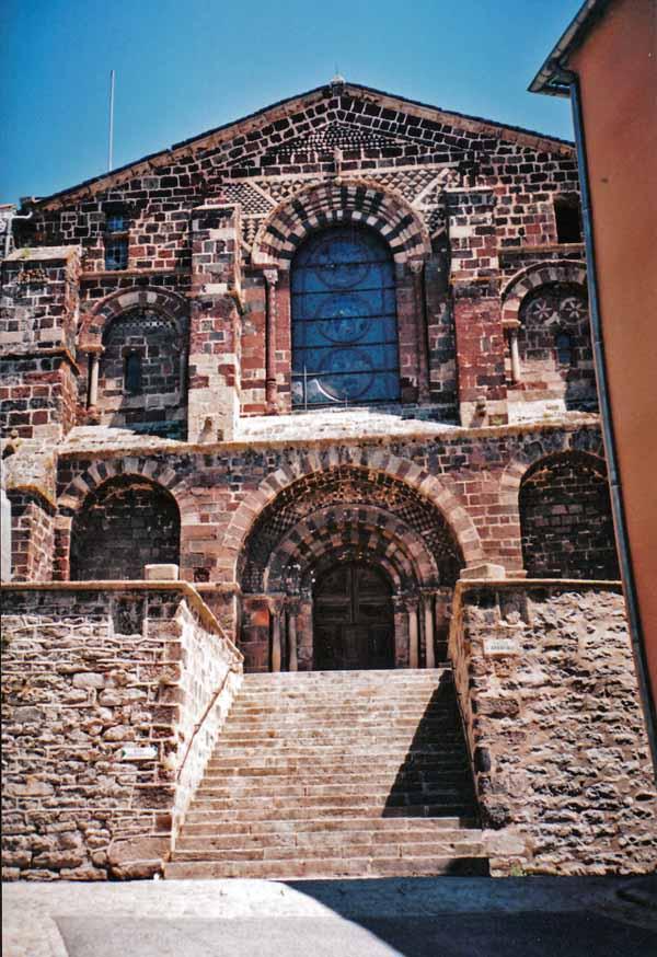Walking in France: The abbey church, le Monastier