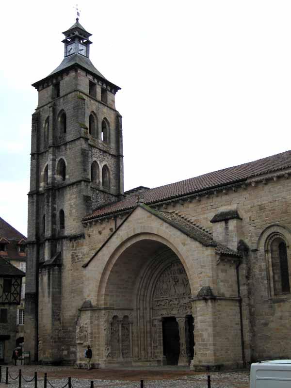 Walking in France: Abbey church, Beaulieu-sur-Dordogne
