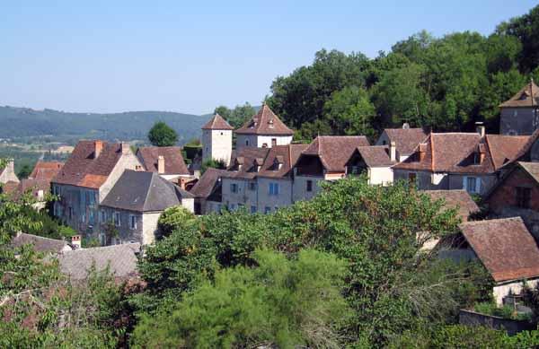 Walking in France: Leaving Montvalent