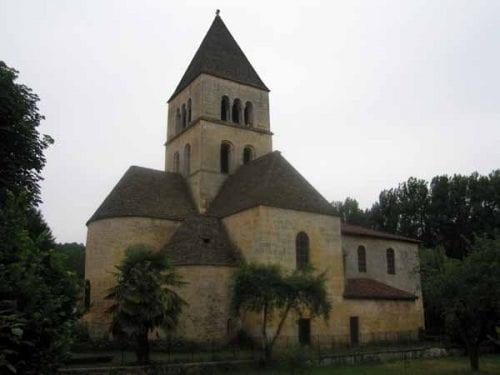Walking in France: The church at Saint-Léon-sur-Vézère