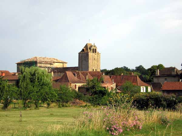 Walking in France: Walking back to Tremolat for dinner