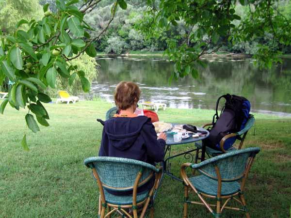 Walking in France: Coffee beside the Dordogne in Josephine Baker's garden