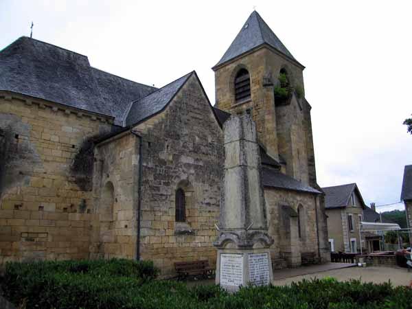 Walking in France: The church at Saint-Julien-de-Lampon