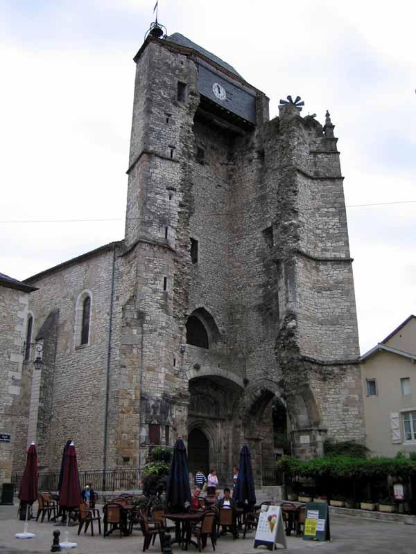 Walking in France: Ruined belfry in Souillac