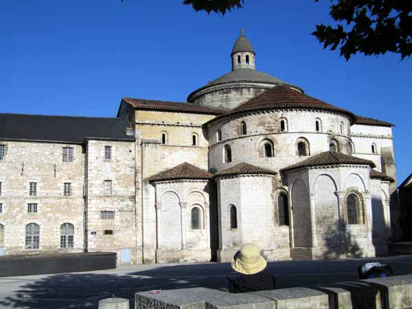 Walking in France: Breakfast at the abbey, Souillac