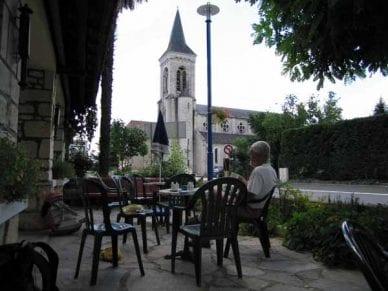 Walking in France: Coffee in Saint-Sozy