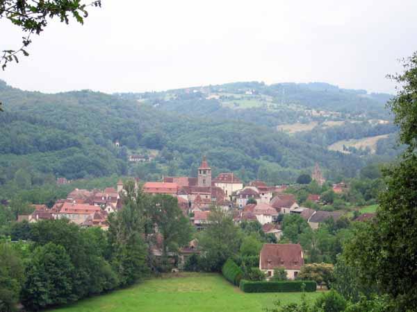 Walking in France: Approaching Gagnac-sur-Cère