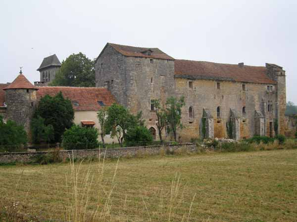 Walking in France: The priory, Laramière