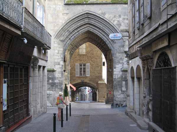 Walking in France: Exploring Villefrance-de-Rouergue