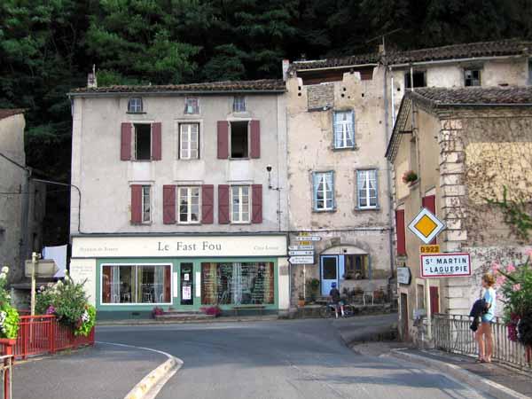 Walking in France: Exploring Laguépie and the adjacent Saint-Martin-Laguépie
