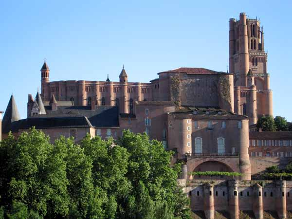 Walking in France: Albi cathedral