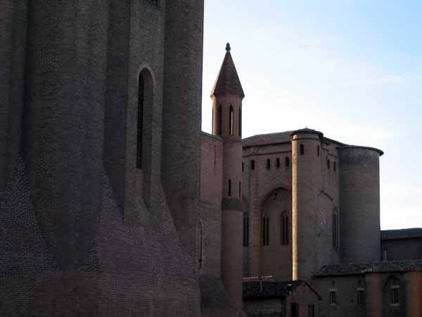Walking in France: The belltower of Albi cathedral