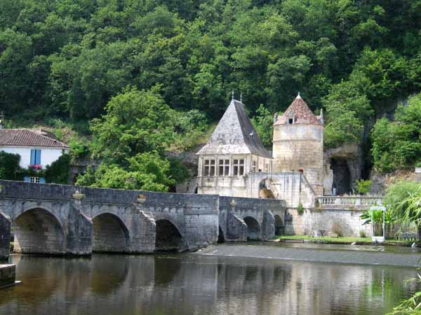 Walking in France: Bridge, Brantôme