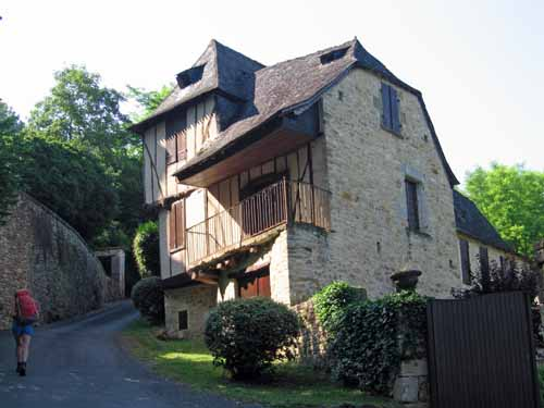 Walking in France: A steep climb out of Terrasson