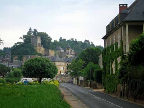 Walking in France: Walking back into Montignac from the camping ground