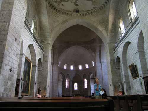 Walking in France: Inside the abbey
