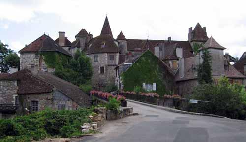 Walking in France: Arriving in Carennac