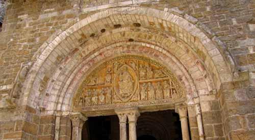 Walking in France: Tympanum on the church at Carennac