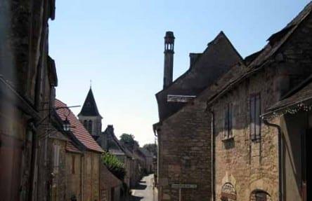 Walking in France: A rooftop lantern in Hôpital-Saint-Jean
