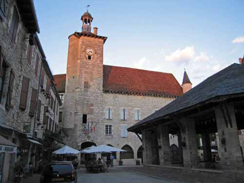 Walking in France: Part of Martel's main square and the halle