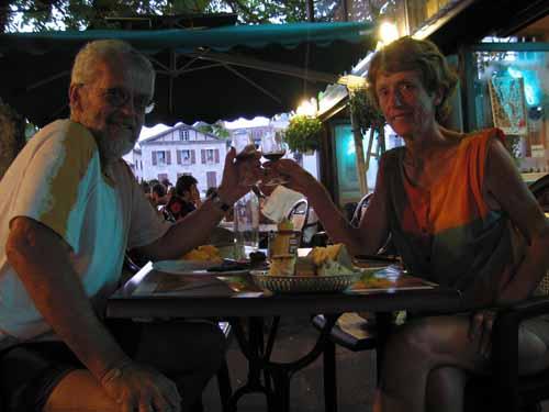 Walking in France: Dinner in Villefrance-de-Rouergue