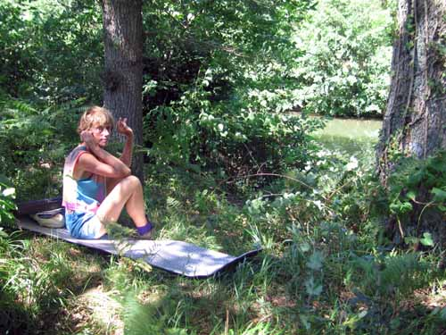 Walking in France: Trying to keep cool beside the Dadou river