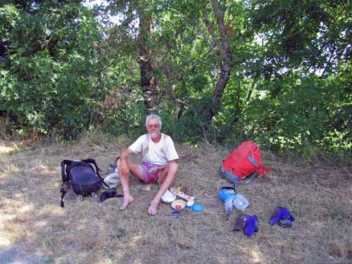 Walking in France: Lunch in the shade