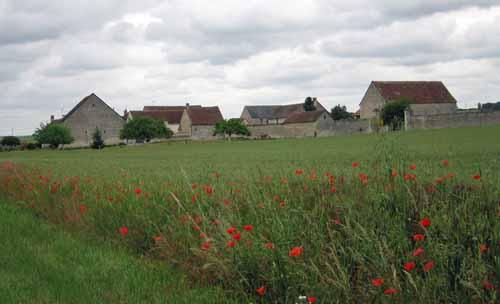 Walking in France: Near la-Celle-Saint-Avant