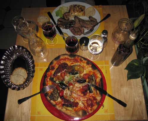 Walking in France: Dinner at the Arlequin, Châtellerault