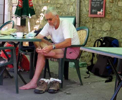 Walking in France: Blister treatment, Saint-Benoit