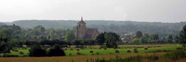 Walking in France: Church of Vault-de-Lugny